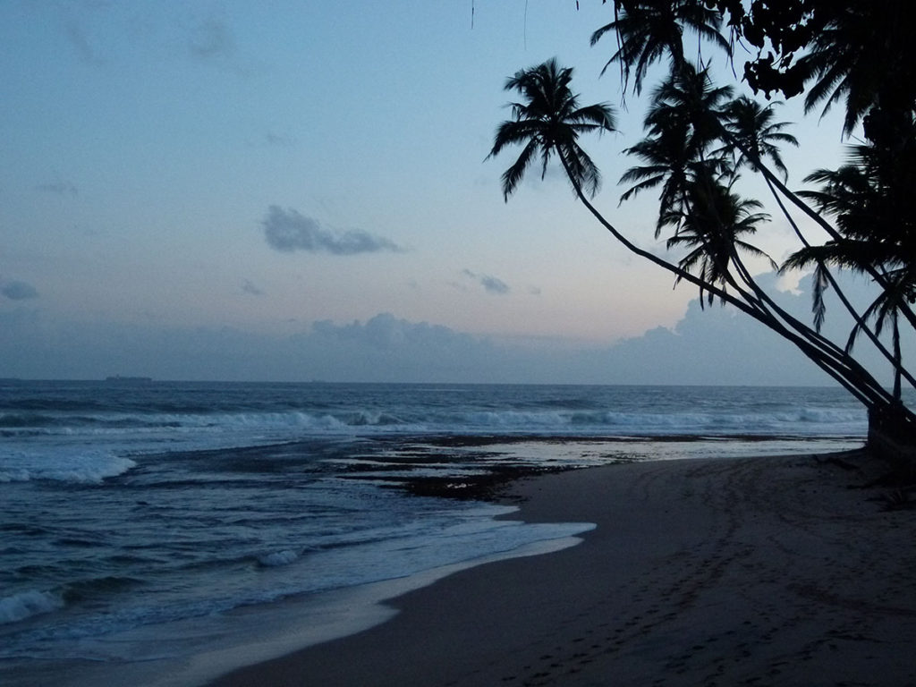Wijaya Beach at night (Galle)_ok