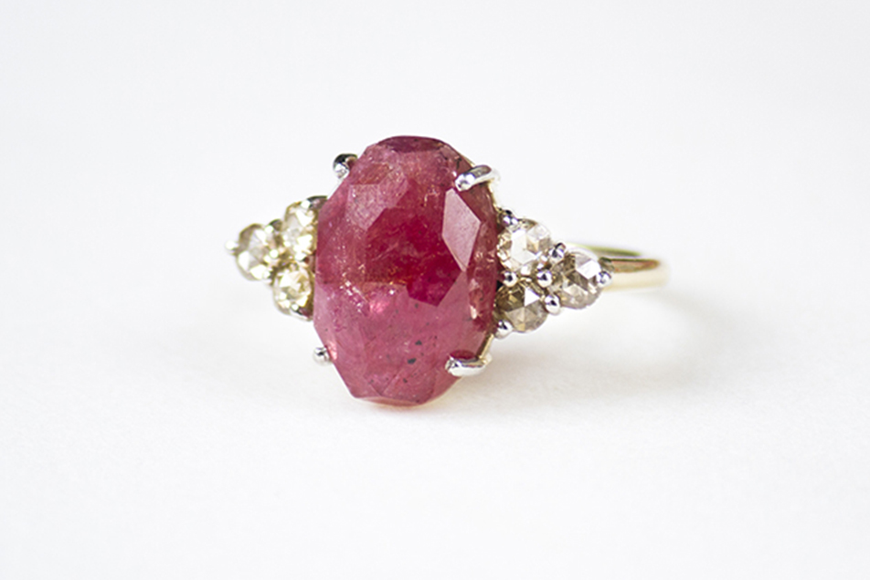 principal_ruby-sapphire-diamond-ring-redimensionada
