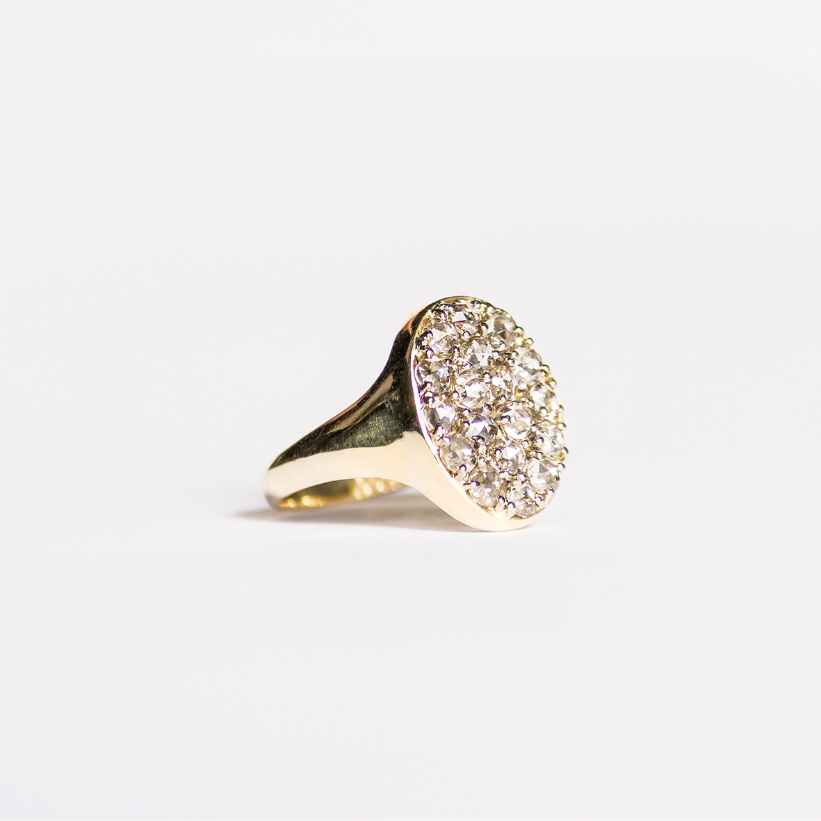 2. OONA_lotus_ficha2_signet diamond ring