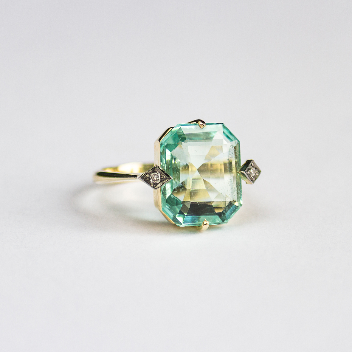 1. OONA_gems of ceylon_ficha1_green aquamarine ring