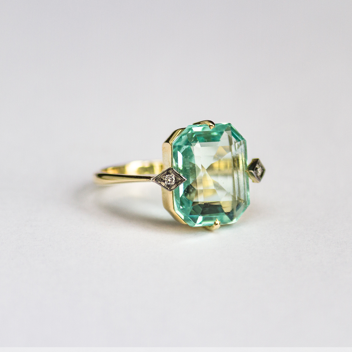 1. OONA_gems of ceylon_ficha2_green aquamarine ring