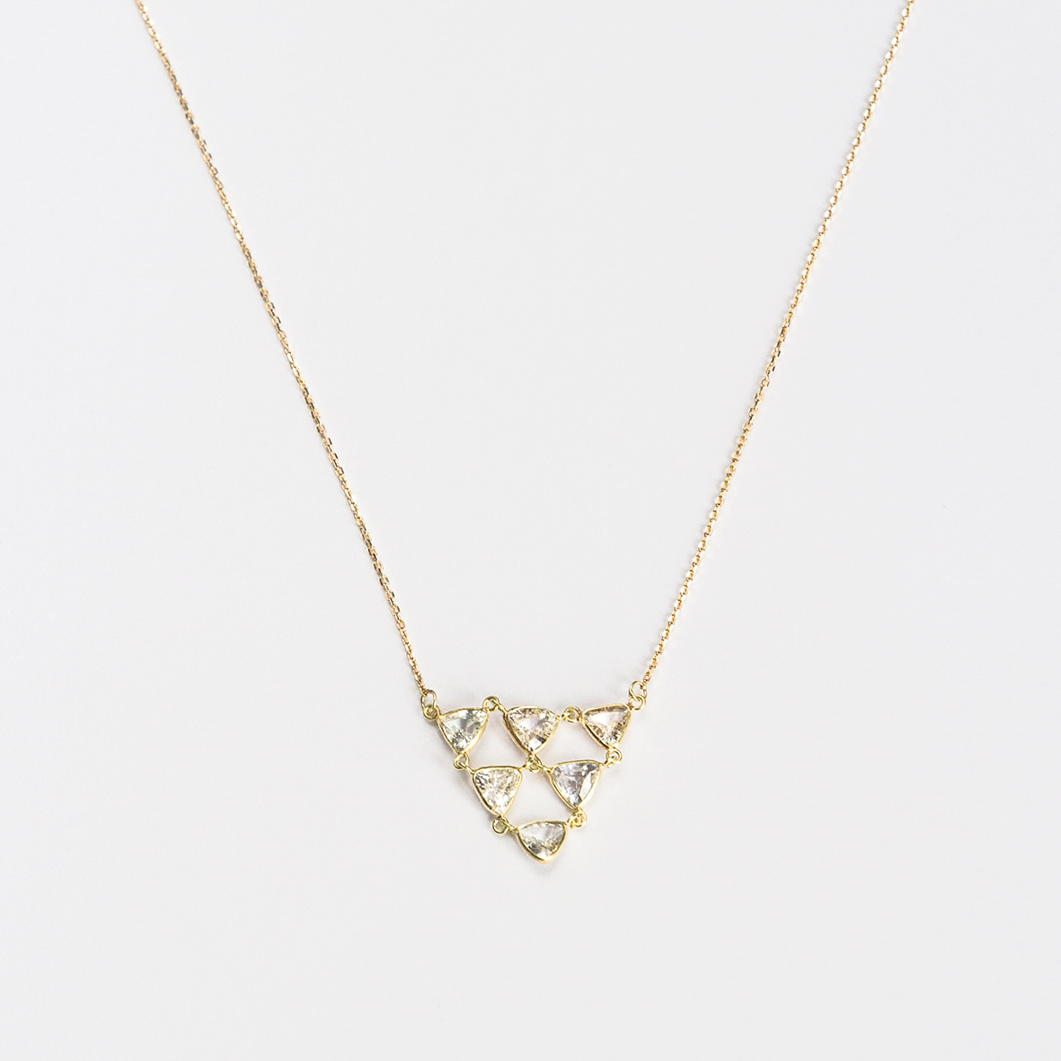 1. OONA_philo_ficha1_sapphire triangles cascade necklace