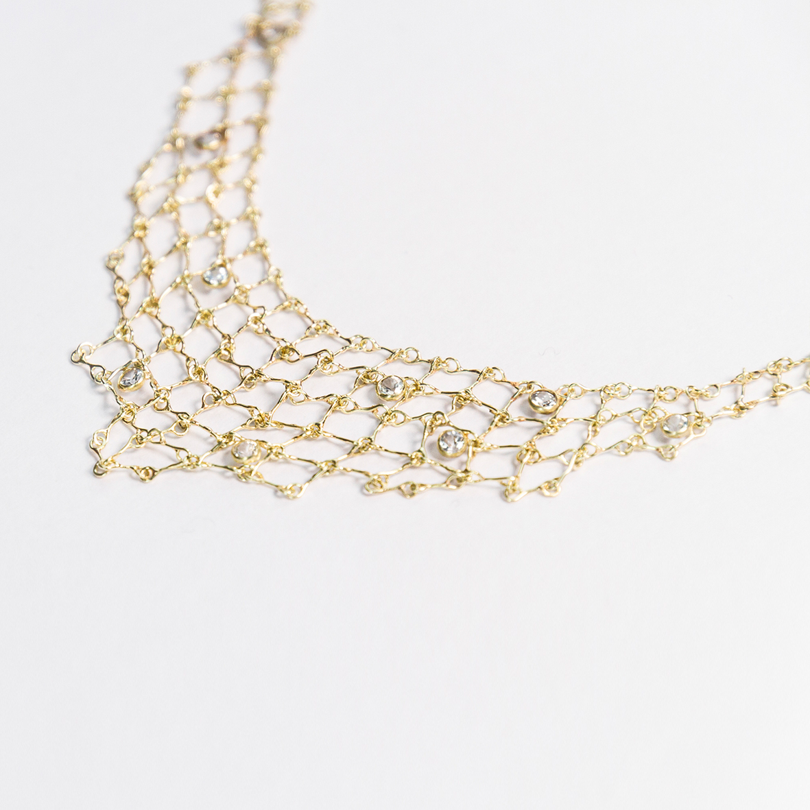 1. OONA_philo_principal_sapphire triangle net necklace