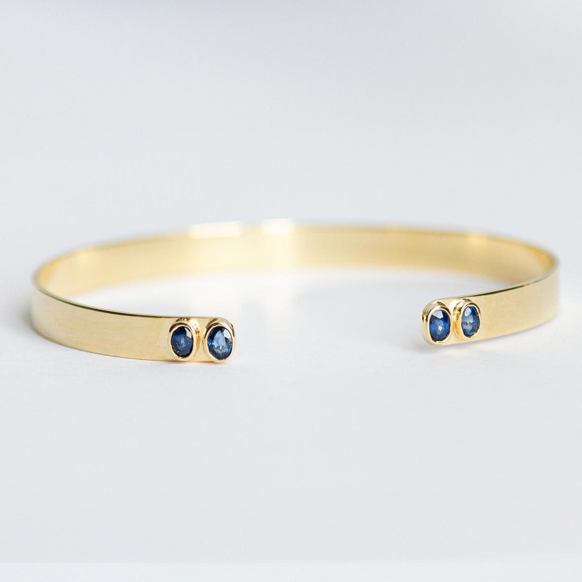 1. OONA_lotus_ficha1_blue sapphire bracelet