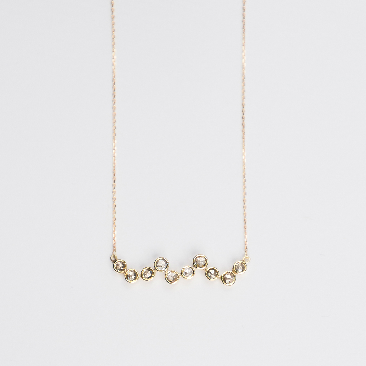 1. OONA_philo_ficha1_waves diamond necklace