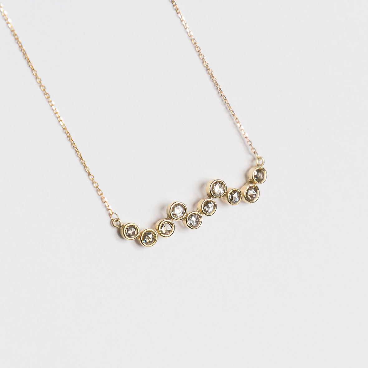 1. OONA_philo_ficha2_waves diamond necklace