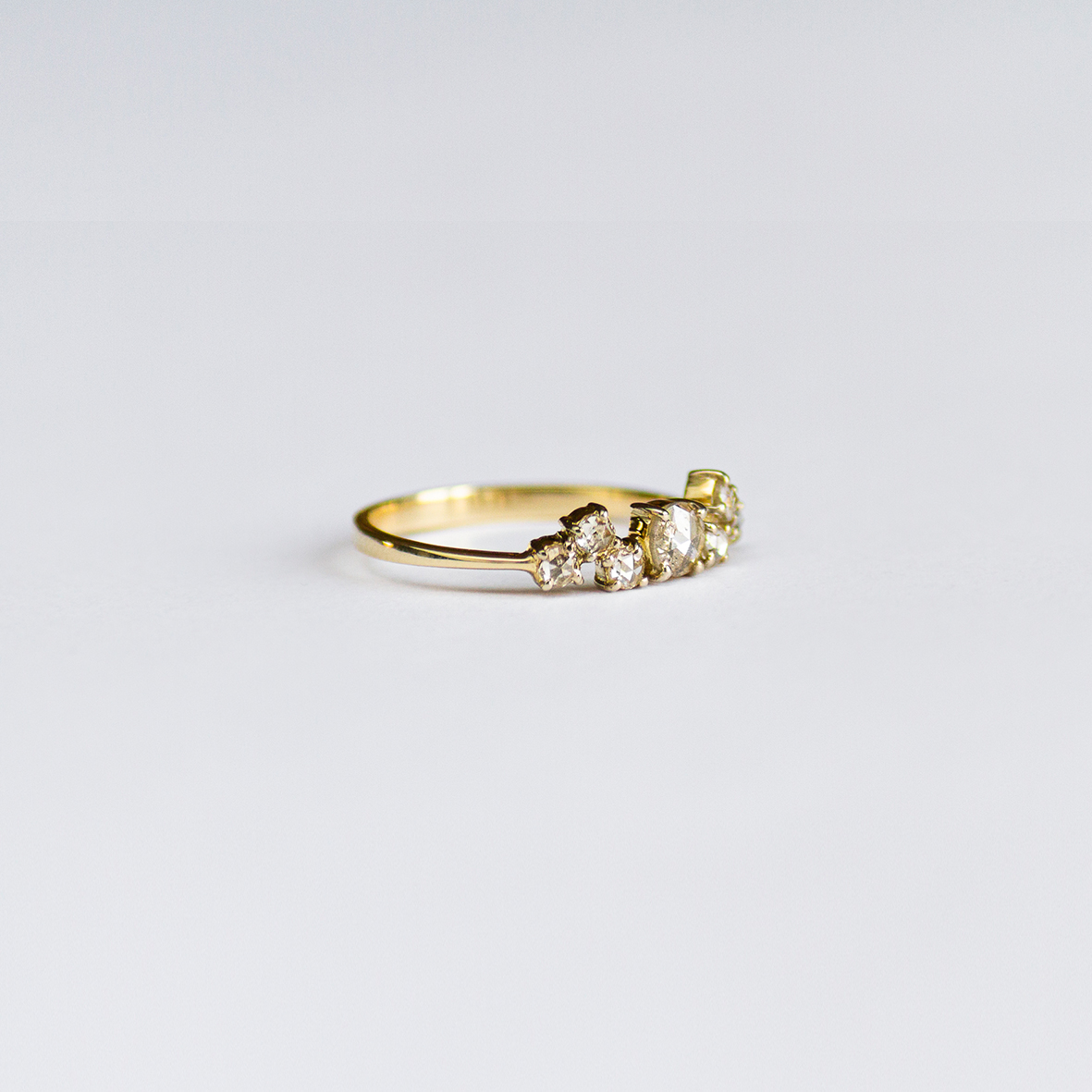 3. OONA_engagement_ficha2_wave diamonds ring