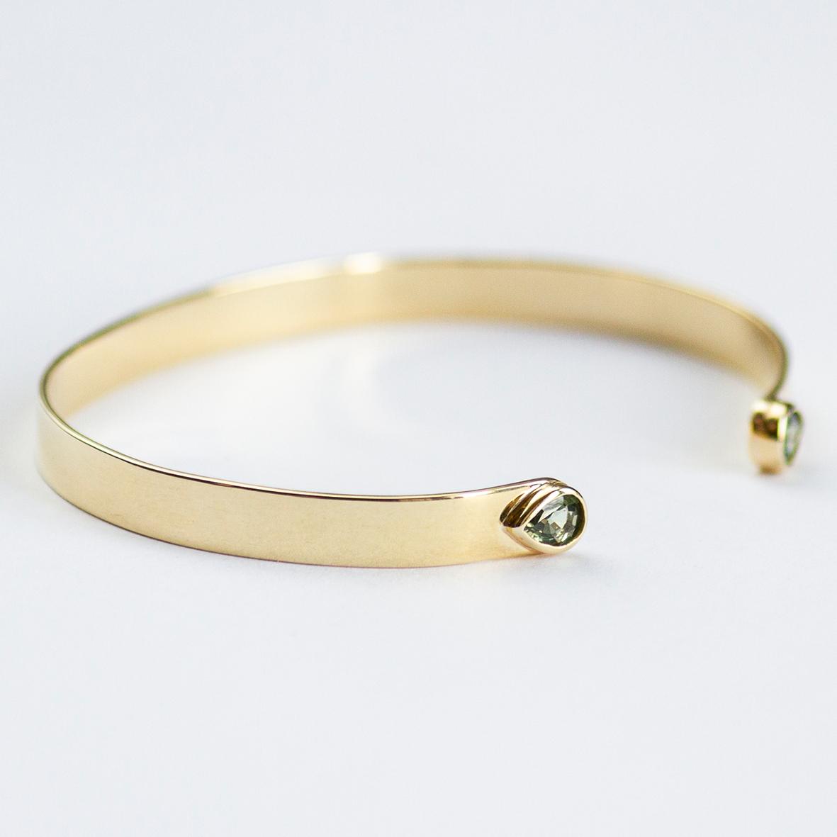 3. OONA_lotus_ficha2_flat sapphire bracelet