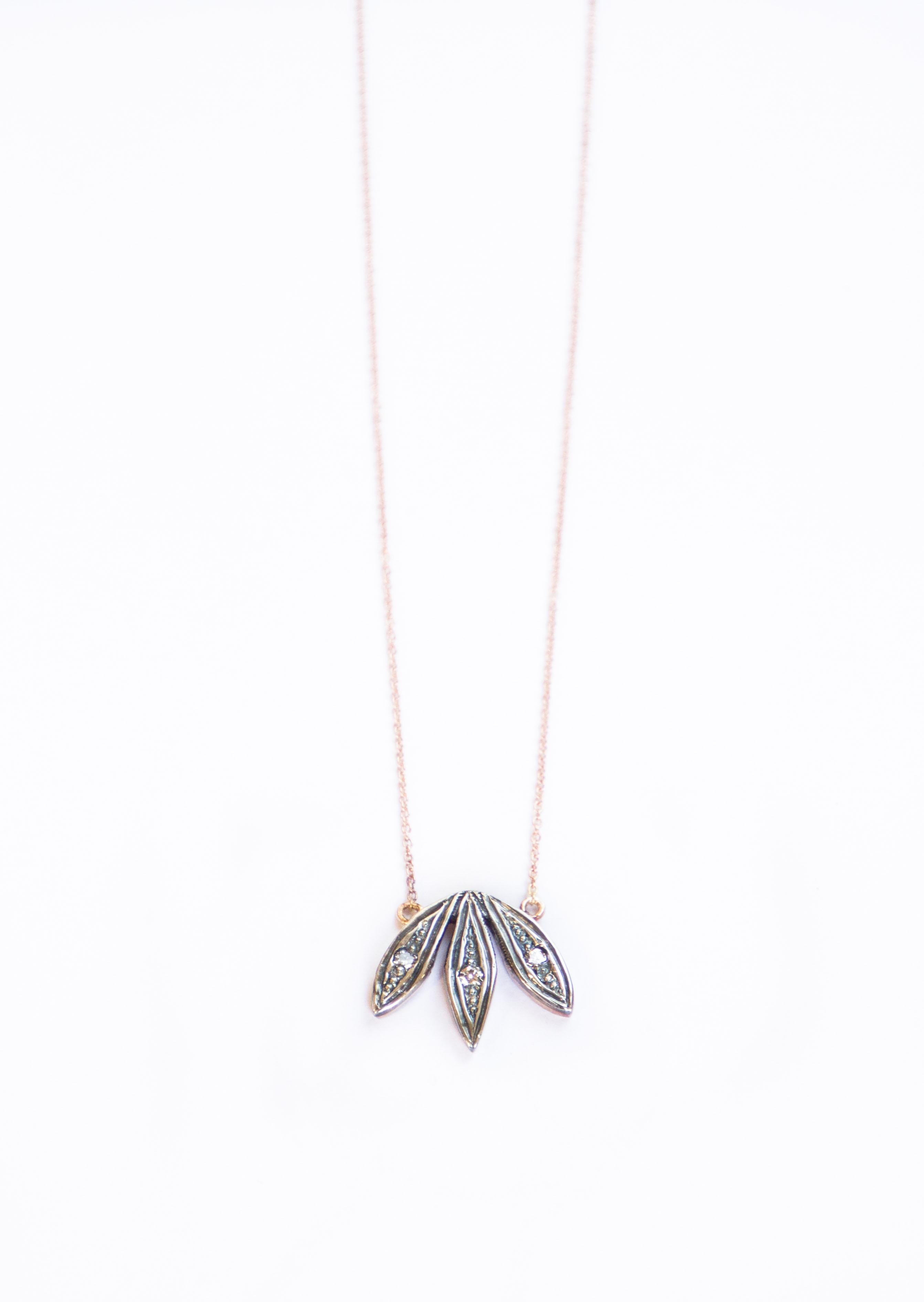 lotuspendantficha1OONA
