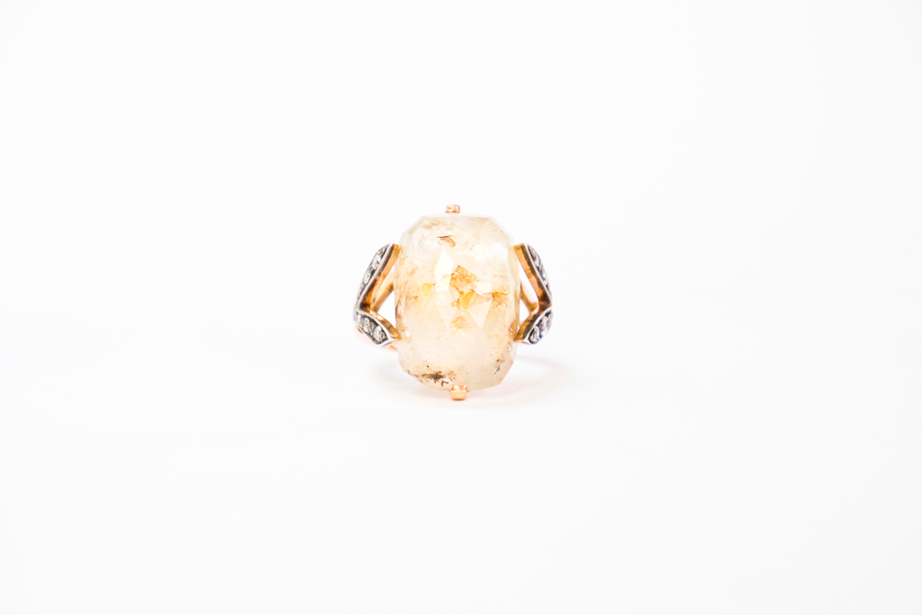 Sapphires embracement ring