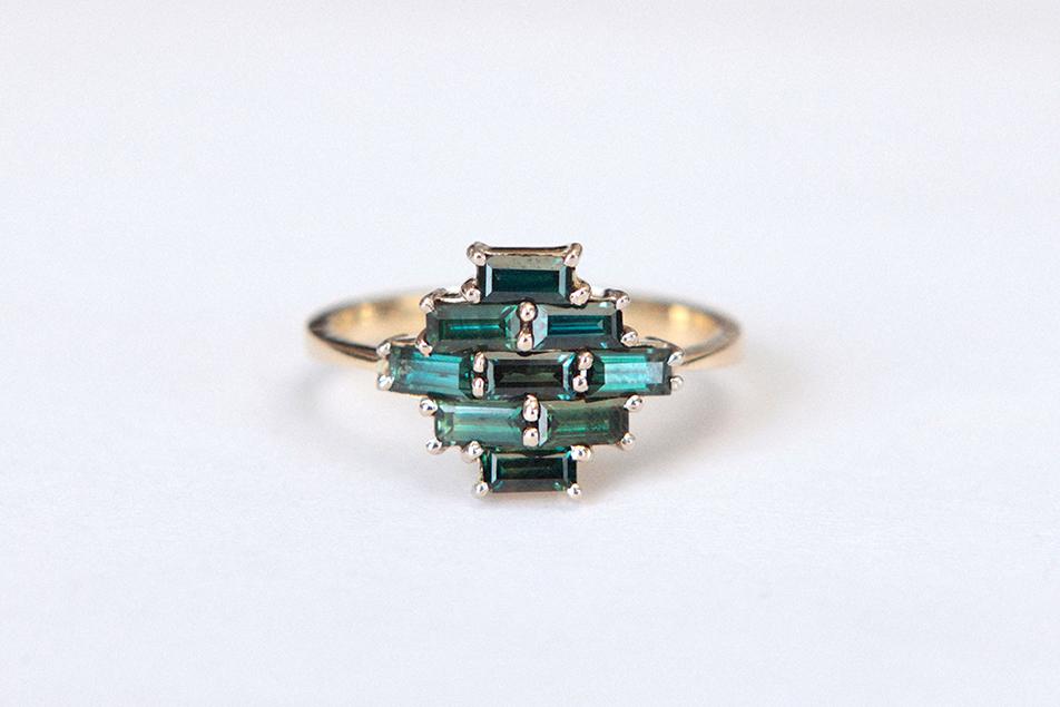 artisan baguette green saphires ring