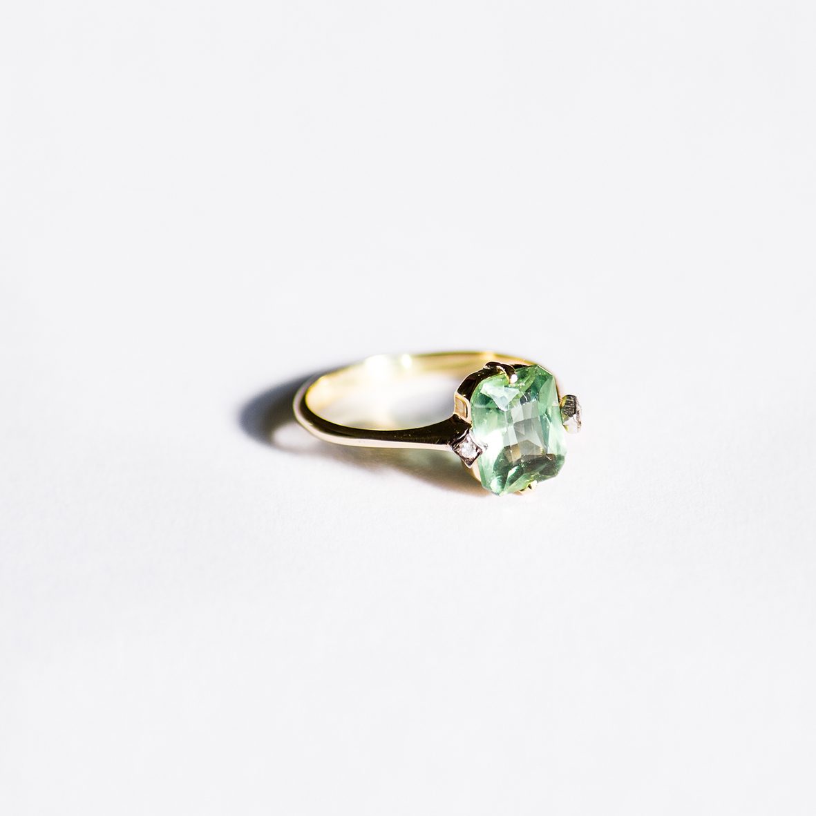 1. OONA_engagement_ficha1_zircon emerald ring copia