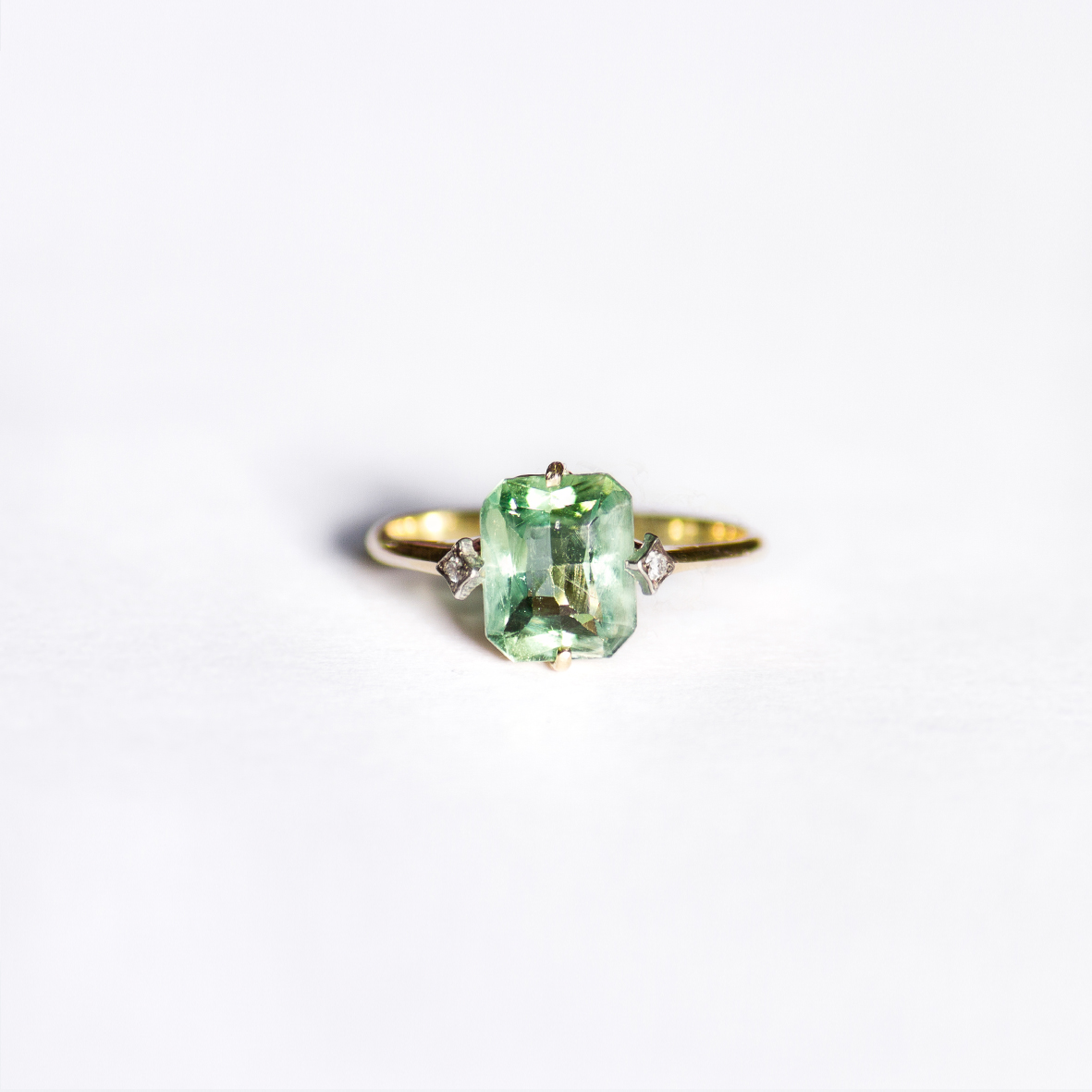 1. OONA_engagement_principal_zircon emerald ring copia