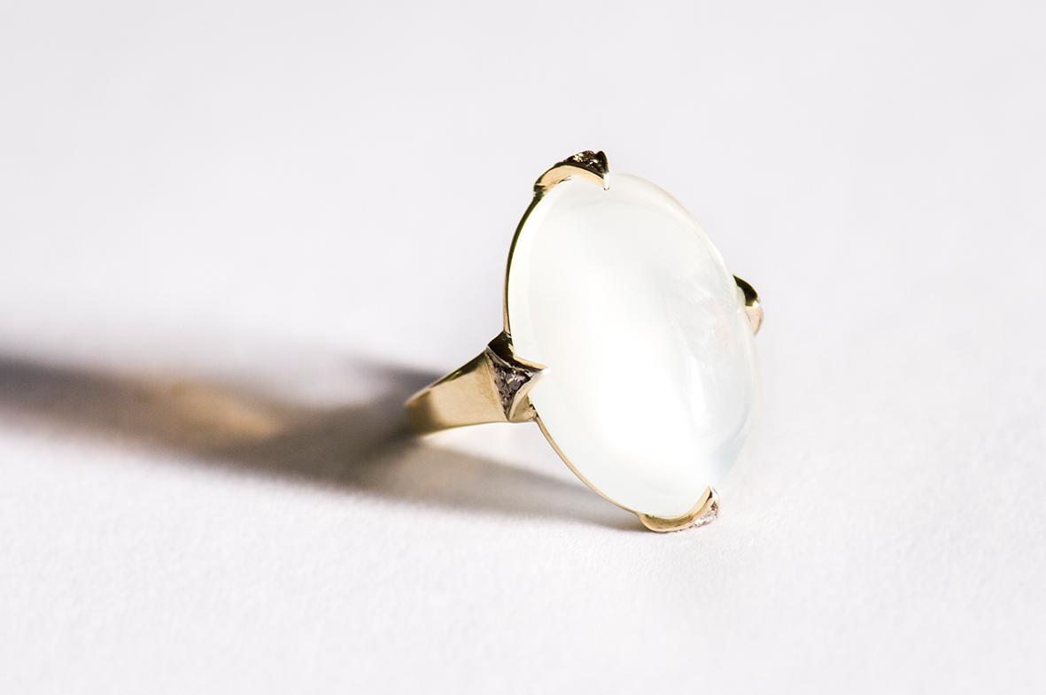 1. OONA_gems of ceylon_principal_moonstone ring copia