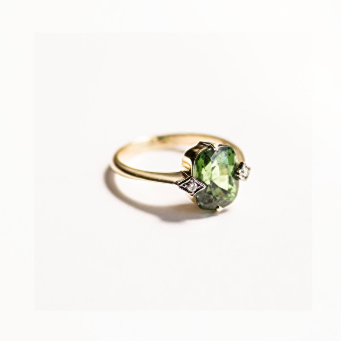 2. OONA_engagement_principal_green zircon_2