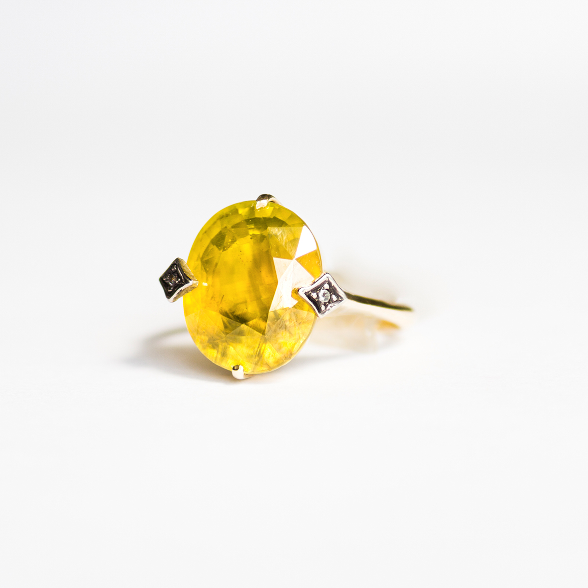 2. OONA_gems of ceylon_ficha2_yellow tourmaline ring