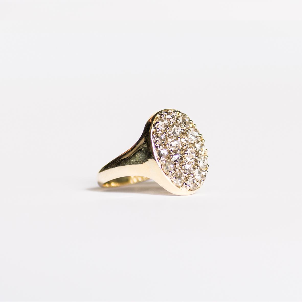 2. OONA_lotus_ficha2_signet diamond ring