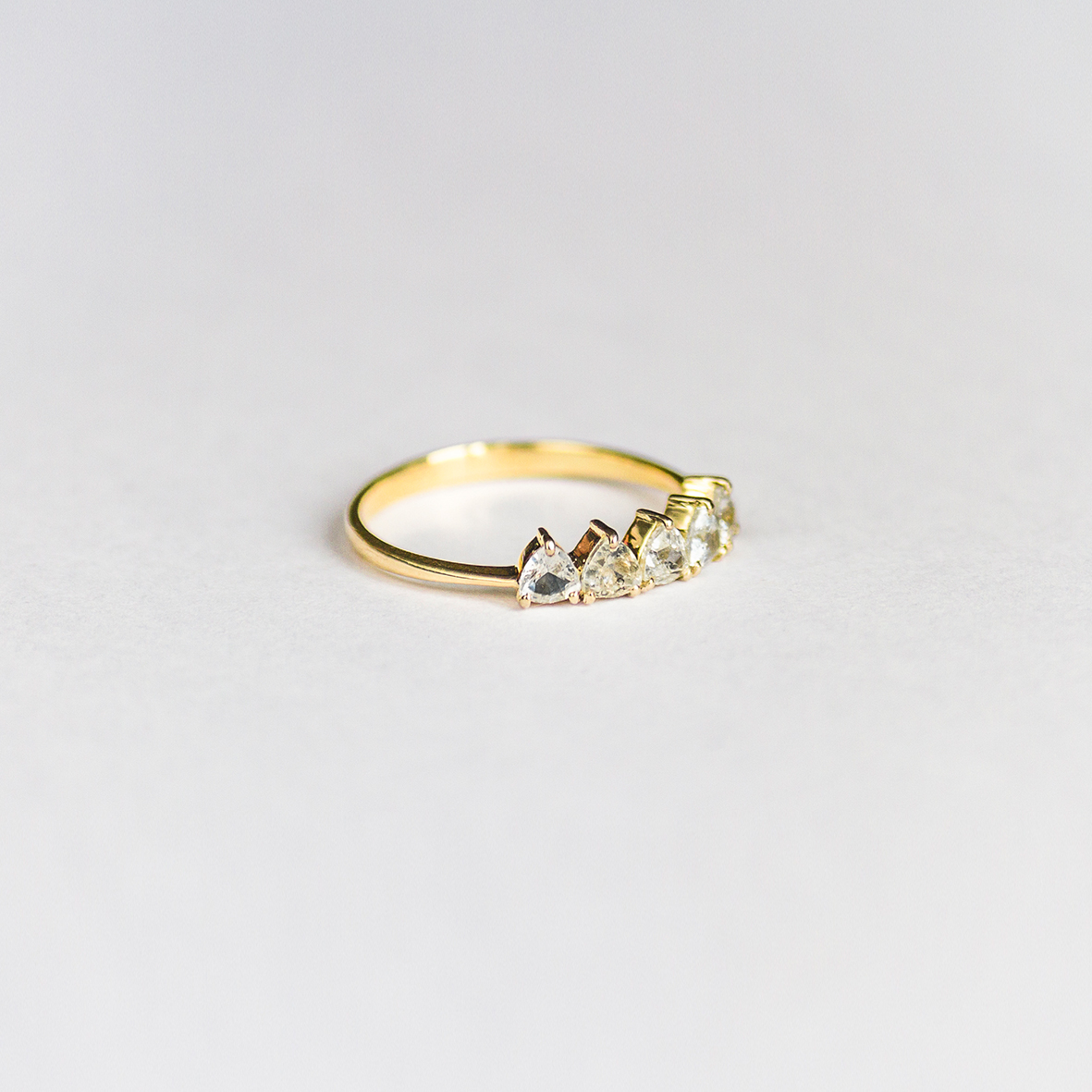 1. OONA_engagement_principal_sapphire triangles ring