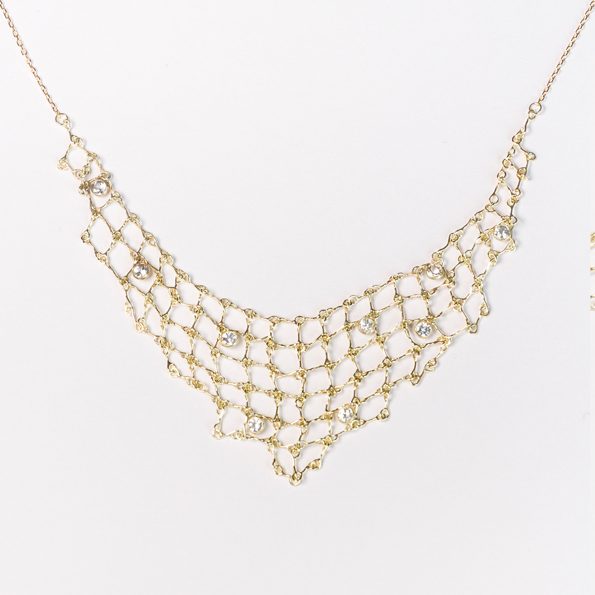 1. OONA_philo_ficha1_sapphire triangle net necklace