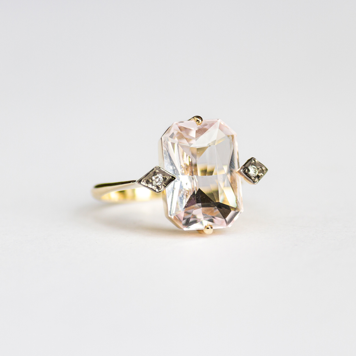 2. OONA_gems of ceylon_ficha1_morganite ring