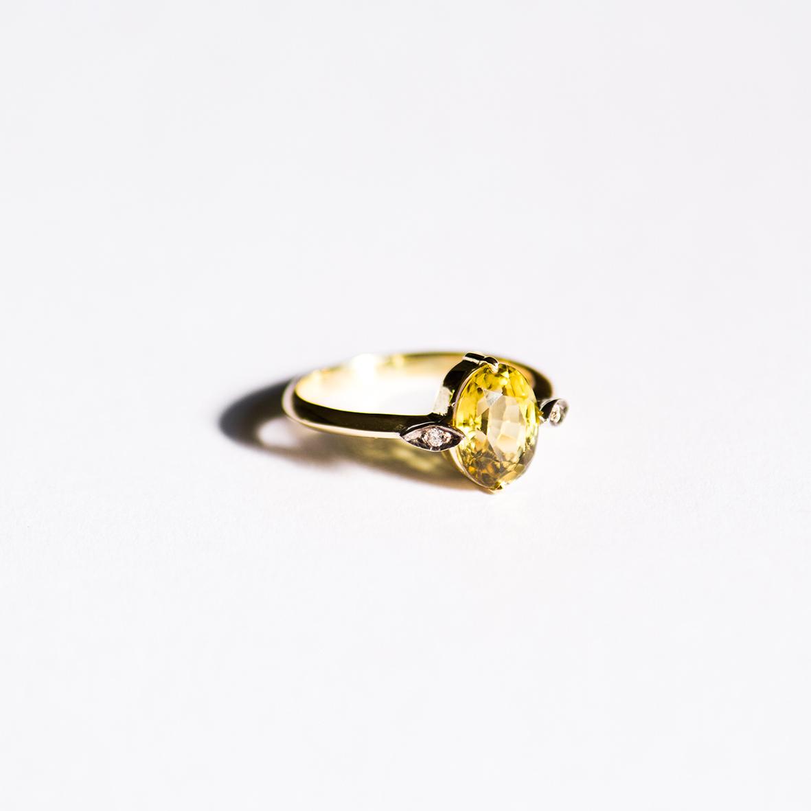 5. OONA_gems of ceylon_ficha1_sinhalite ring