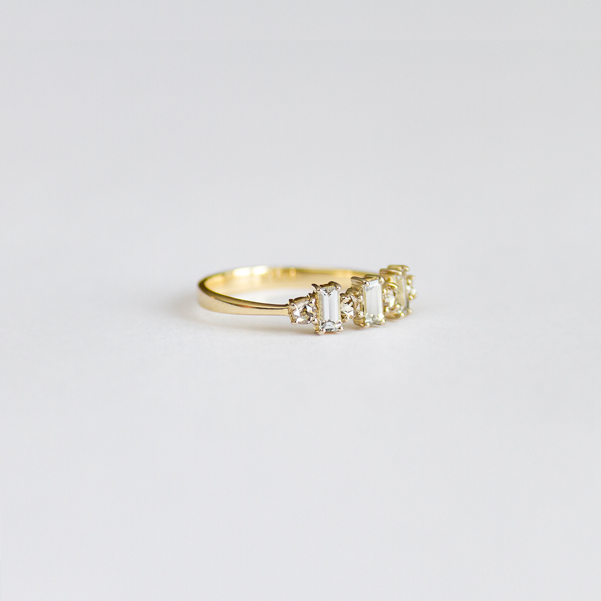 1. OONA_engagement_ficha2_sapphire and diamonds ring