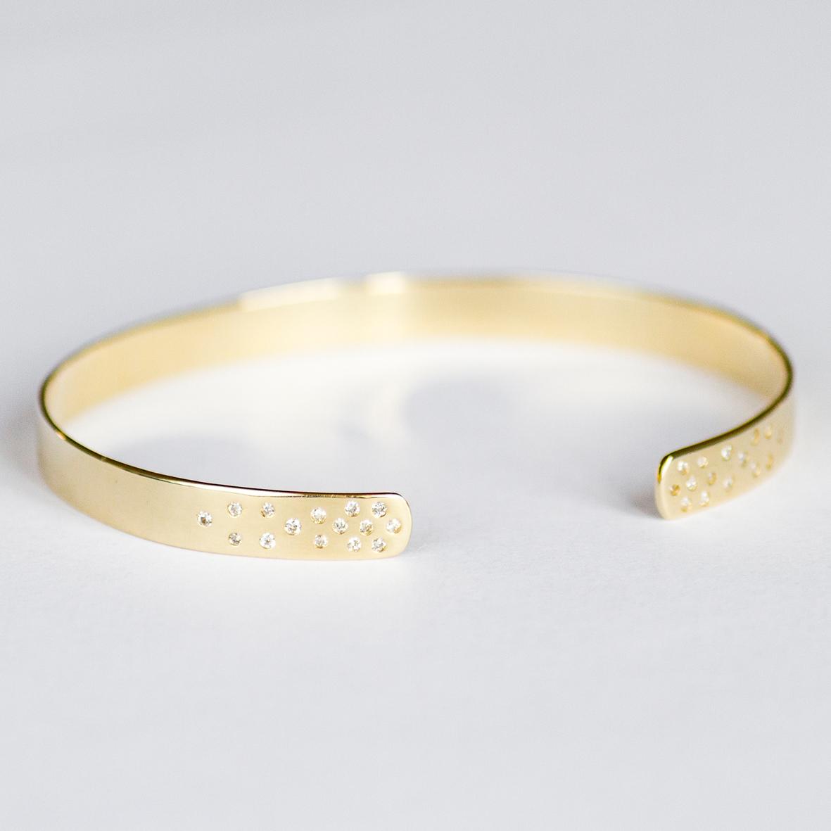 4. OONA_lotus_ficha2_diamond dotted bracelet