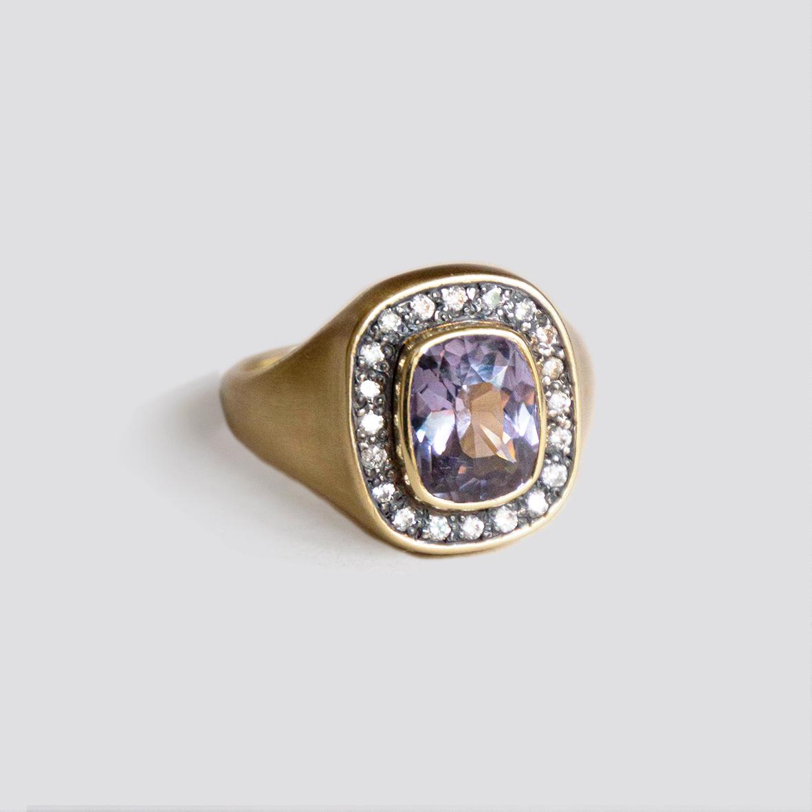 2. OONA__lotus_ficha 1_spinel signet ring
